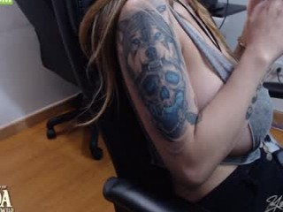 live sex chatting with yesikasaenz. 9151 users enjoy live cum show