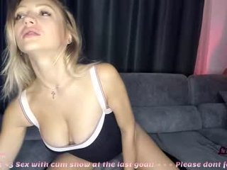live sex webcam xxx with lillieonyx. 2912 users enjoy live blowjob show