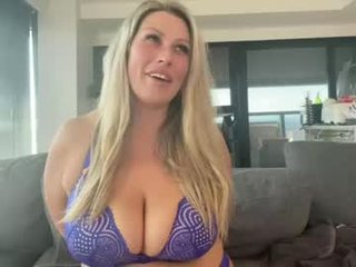 live sex free video chat room with missjessicajade. 542 users enjoy live cum show